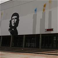 Sigue debate por imagen del 'Che' Guevara en la Universidad Nacional