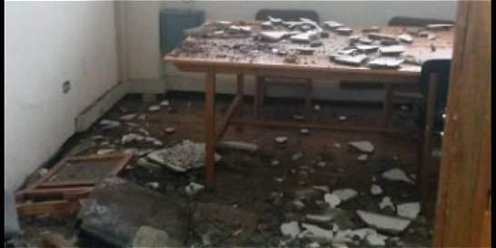 Se cayó parte del techo de la Universidad Nacional por lluvias