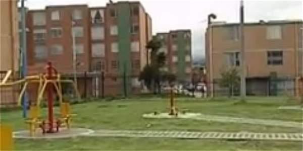 Parques del barrio Ricaurte a oscuras por robos de habitantes de calle
