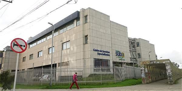 Policía busca a padres de niña de dos años que llegó al Hospital de Suba sin signos vitales