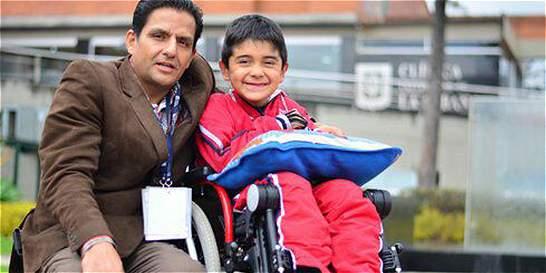 El pequeño poeta que no volvería a moverse, tras un accidente vial