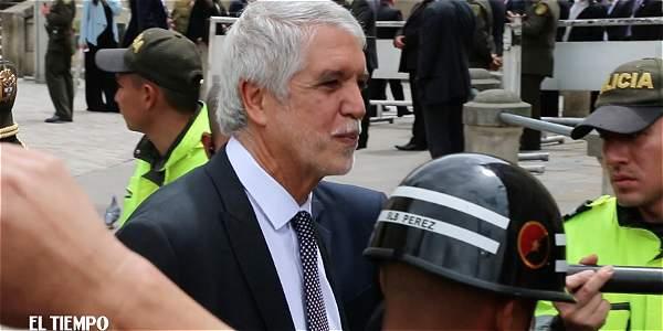El alcalde Enrique Peñalosa fue abucheado en la Plaza de Bolívar