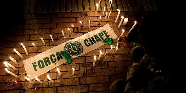 En Bogotá, hinchas de varios equipos se unieron en una sola voz por el Chapecoense