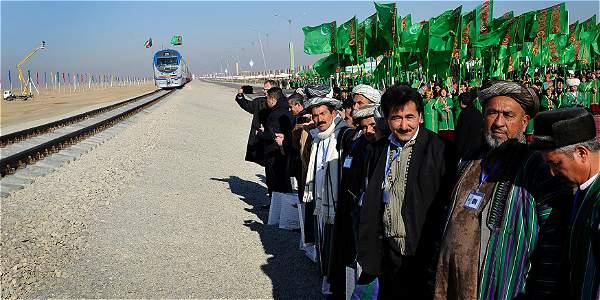 Los transportes sustentables son el futuro, apuntó la ONU. En la foto, tren en Turkmenistán.