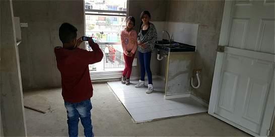 Más de 100 familias recibieron vivienda gratis como regalo de Navidad