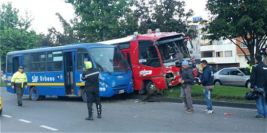 Trece personas lesionadas en dos accidentes del SITP