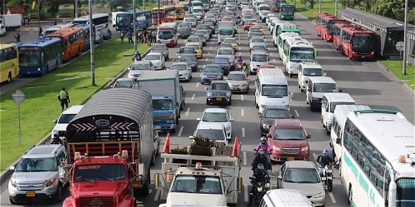 Listo carril izquierdo para rutas escolares en Autopista Norte