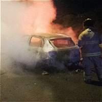 Taxistas serían responsables de quemar carro que pertenecería a Uber