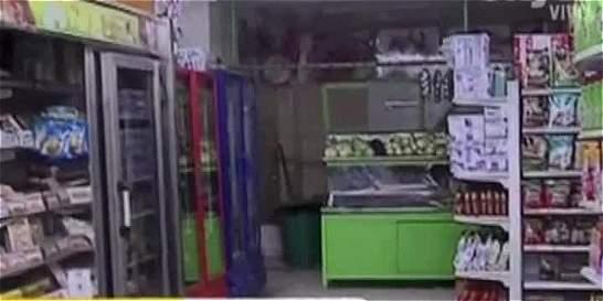 Delincuentes asaltan supermercado y roban 40 millones de pesos