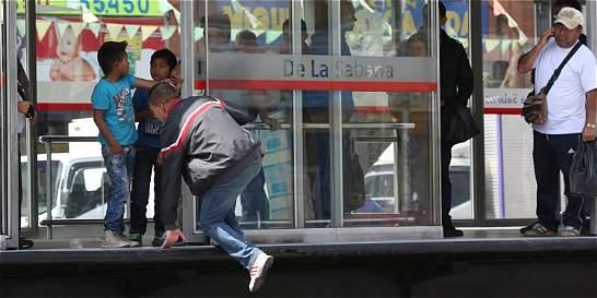 'Los colados fomentan el mal servicio de TransMilenio'