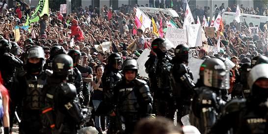 Peñalosa prohíbe protestas en los alrededores de la plaza Santamaría