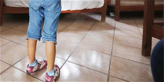 Policía rescata en Bogotá a dos menores que estaban solos en su casa