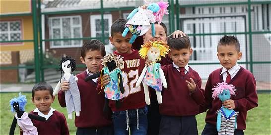 El muñeco que les enseña a los niños a respetarse