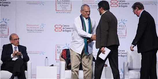 Nobeles hablaron de paz con 'Iván Márquez' en el cierre de la Cumbre