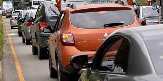 Piden no modificar pico y placa para carros no matriculados en Bogotá