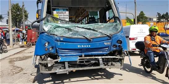 Al menos 26 heridos por choque entre tres buses del SITP