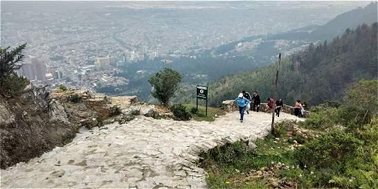 Volvieron los caminantes al sendero de Monserrate