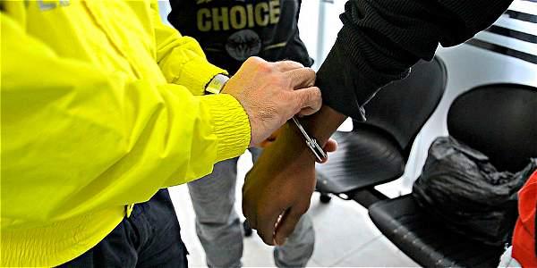 Fueron 17 las personas capturadas y sindicadas de pertenecer a esta red, que distribuía pequeñas dosis de droga en inmediaciones de colegios.