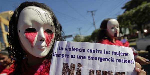 Según cifras recientes del Instituto Nacional de Medicina Legal, pese a los 109 casos de asesinatos de mujeres en Bogotá en el 2016.