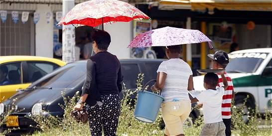 Costeños padecen los efectos de dura oleada de calor