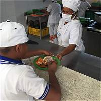 Estudiantes comen mejor en colegios del Atlántico