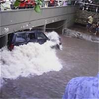 Aguacero en Barranquilla sorprende a conductores y causa estragos