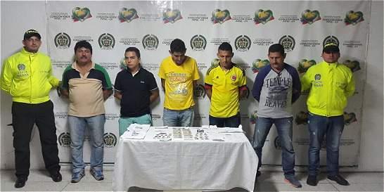 Capturan a 5 miembros de una familia con cédulas falsas