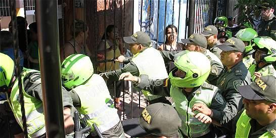 Denuncian agresión a rectora laica designada para colegio de monjas
