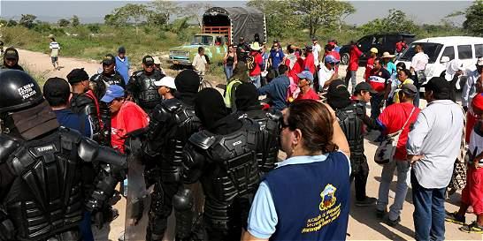 En paz continúa el desalojo del sector El Tamarindo