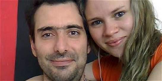 Reclaman restos de azafato que se suicidó tras matar a su familia
