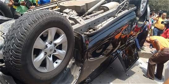 Camioneta se volcó en estrepitoso accidente en norte de Barranquilla