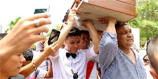 El rostro de dolor de Teófilo Gutiérrez en el sepelio de su abuela