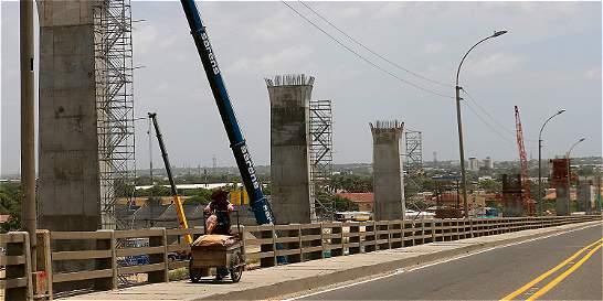 Pilotes del nuevo Puente Pumarejo casi en la mitad