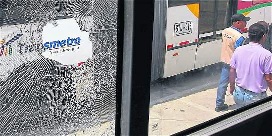 Riñas de pandillas bajo la lluvia dejan un muerto en Barranquilla