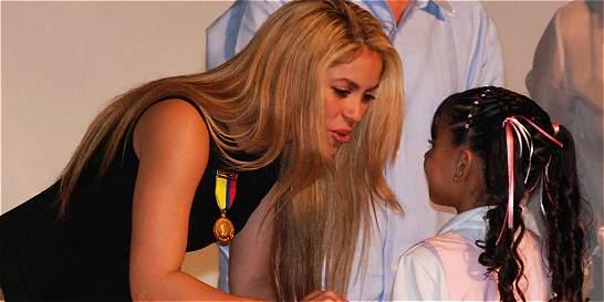 Shakira felicitó a estudiantes de su colegio en Barranquilla
