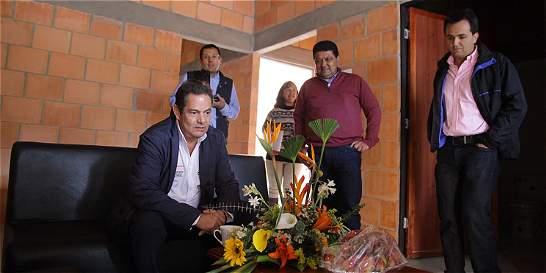 Vargas Lleras 'se rajó' con viviendas gratuitas en Boyacá
