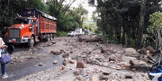 Vía Sogamoso - Aguazul afectada por derrumbes