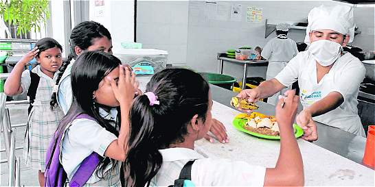 Gobernación continuará financiando alimentación escolar el próximo año