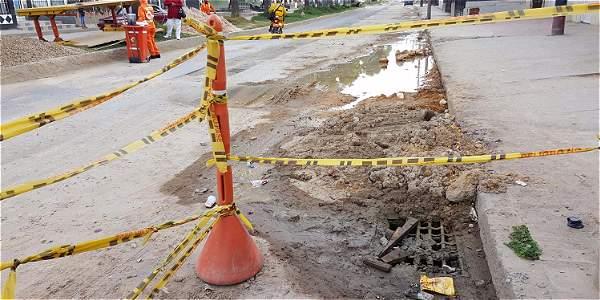 Hasta el momento las obras están paradas mientras interventoría, contratista y supervisor estudian el estado del tramo intervenido para tener datos puntuales.