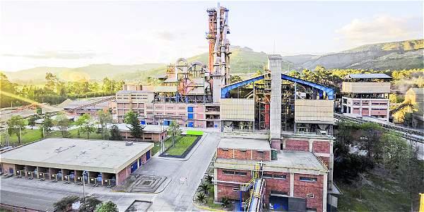 Planta de empresa Cementos Argos en Sogamoso, para la cual la compañía anunció hace dos años un proyecto de ampliación con una inversión de 450 millones de dólares. Esta iniciativa ha sido aplazada.