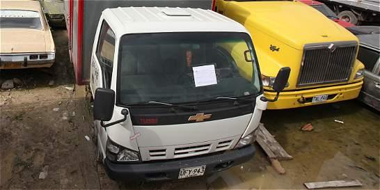Investigan robo a camión con productos de EL TIEMPO