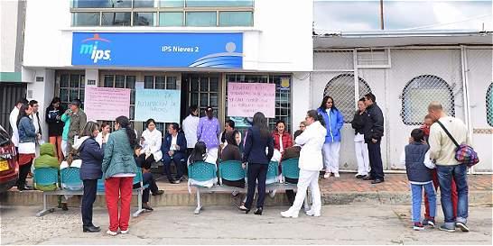 Médicos, sin servicio de salud