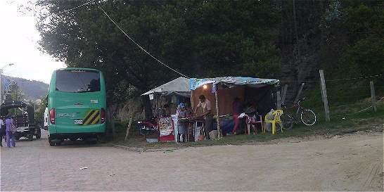 Sin control de tránsito y ventas en el Pueblito Boyacense