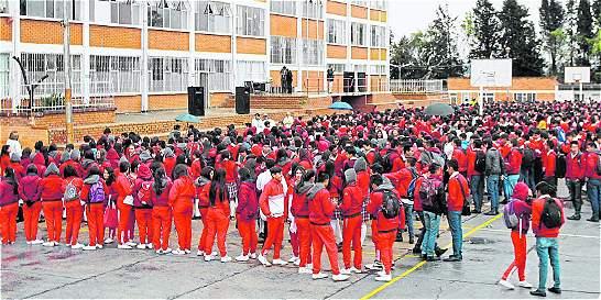 Cerca de 200.000 estudiantes regresan a clases