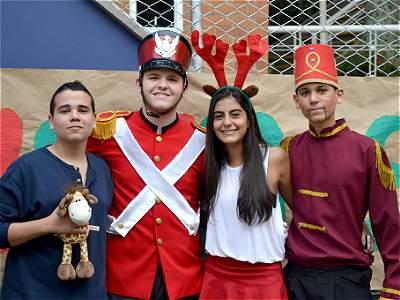 Compartir navideño en colegio La Colina