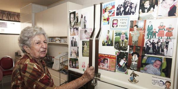 Después de sobrevivir a la Segunda Guerra, Raquel pasó por Hungría e Israel. En 1952 viajó a Bogotá y 9 años después se radicó en la capital vallecaucana.