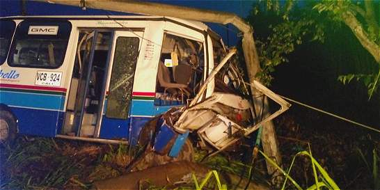 Muere caballo al ser arrollado por bus en vía a Jamundí
