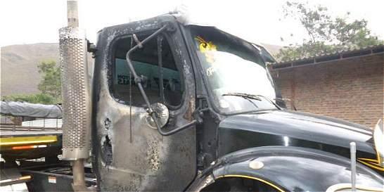 Intentaron quemar tractomulas en parqueadero en la vía a Buenaventura
