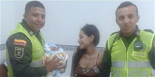 Dos policías atienden parto de una bebé en Jamundí (Valle)