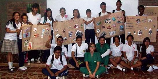 Jóvenes y adolescentes de Alto Nápoles trabajando por su comunidad